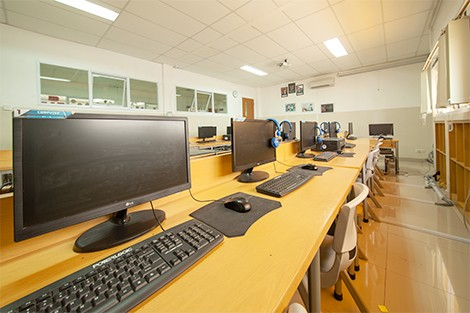 KDF/HF Juanda Depok - Computer room