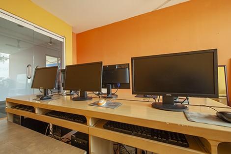 KDF Sudirman -  Computer Room